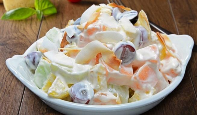 Cara-Membuat-Sajian-Salad-Buah-Segar-Enak