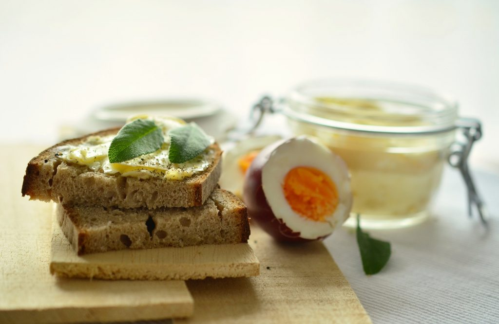 Simple Boiled Egg Sandwich
